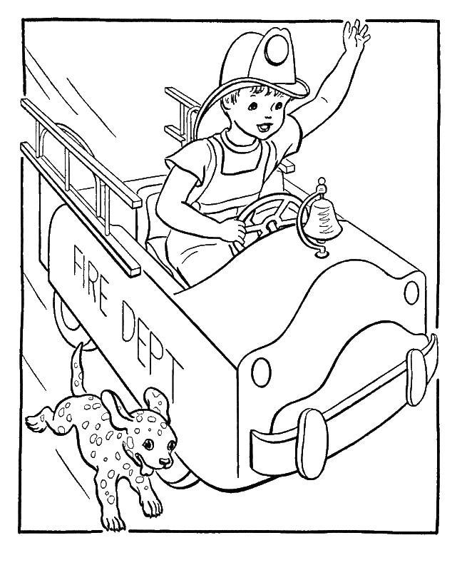 Маленький пожарник спешит на пожар Раскраски машины бесплатно