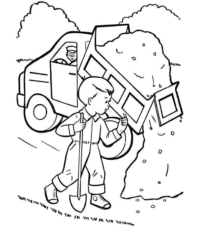 Дорожные работы ведутся и грузовик выгружает гравий для строительства дороги Скачать раскраски машины